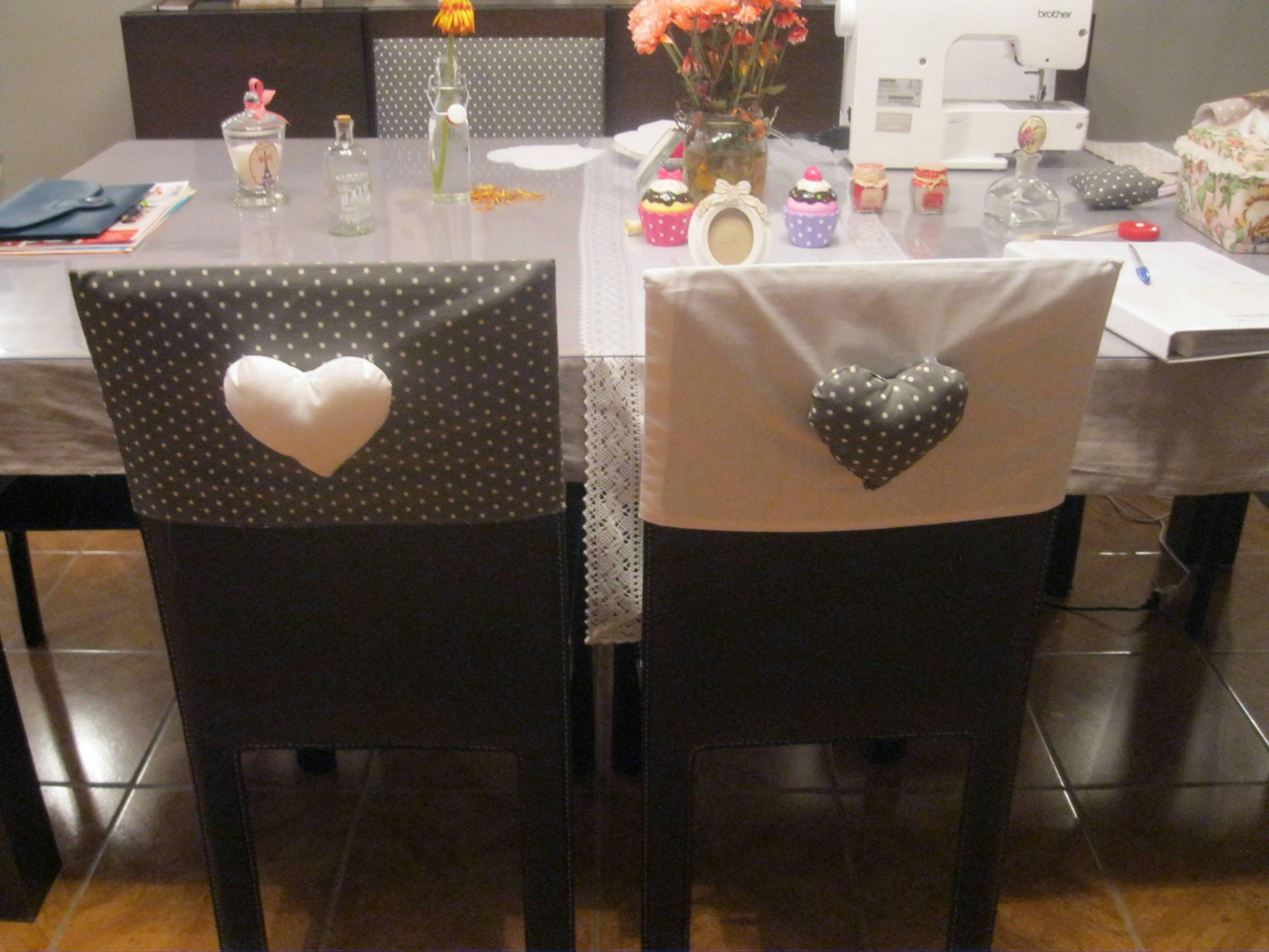dessus de chaise. Black Bedroom Furniture Sets. Home Design Ideas